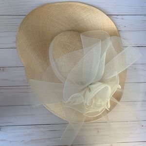 Beautiful Sonni of San Francisco hat